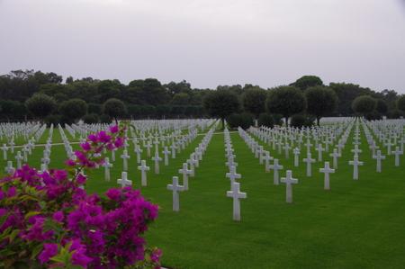 アメリカ人が作ったお墓 in チュニジア