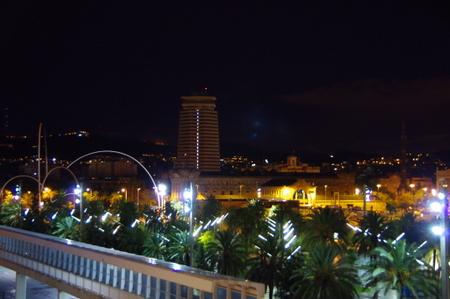 朝6時のバルセロナ港