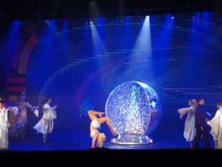 プリンセスクルーズのダンサー