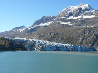 ランプルー氷河(グレイシャーベイ国立公園)