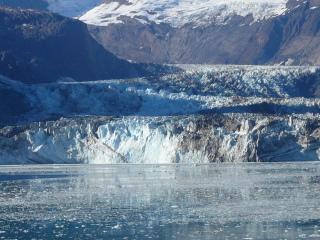 ジョンホプキンス氷河(グレイシャーベイ国立公園)