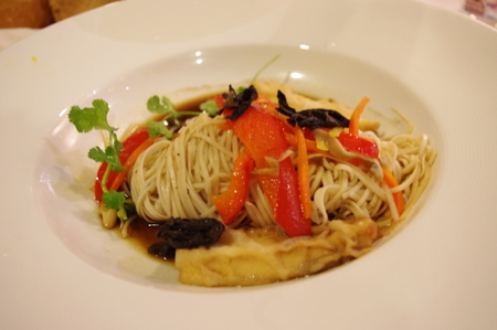 Egg Noodle with Stir-Fried Tofu and Vegetable in Soy Broth(豆腐と野菜の焼きそば)