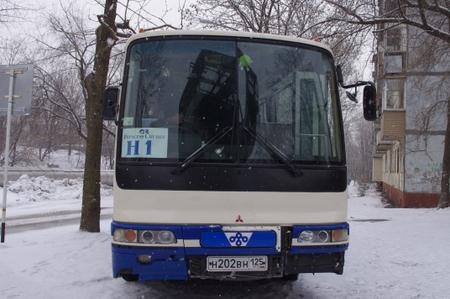 エクスカーションで乗ったマイクロバス at ウラジオストク