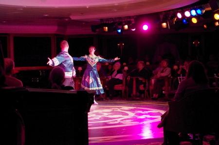 カリンカによるロシア伝統舞踊ショー in オーシャンプリンセス