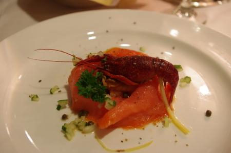 Smoked Salmon and Marinated Crayfish Tails(スモークサーモンとザリガニ尾のマリネ)