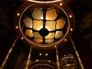 サファイアプリンセスのアトリウムの天井