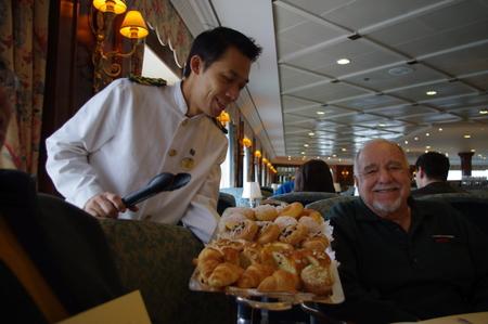 Club Restaurantでの朝食 on オーシャンプリンセス
