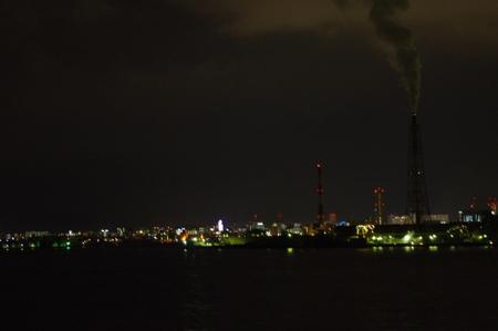 海から見た北九州の夜景
