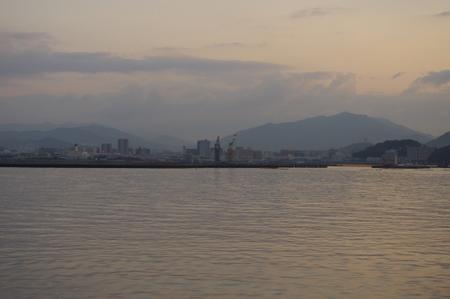 海から見た広島の風景
