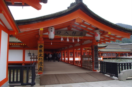 厳島神社 本殿の入口