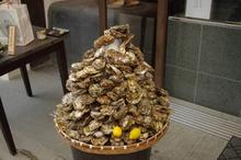 牡蠣の山 at 牡蠣屋