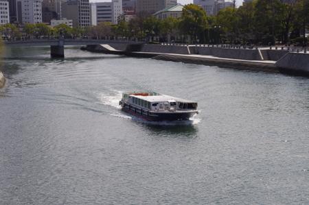 世界遺産航路の高速船