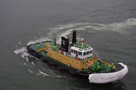 大阪港のタグボート
