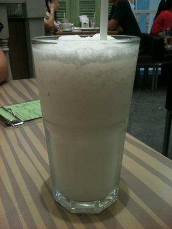ココナッツジュース at Yum Saap