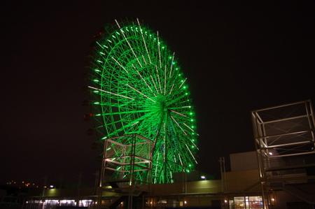 夜の天保山客船ターミナル