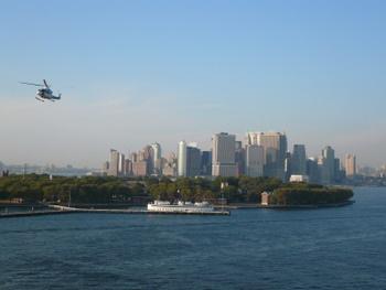 マンハッタン島を見ながらのセイルアウェイ