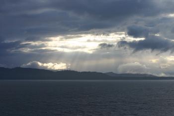 アラスカの空と海