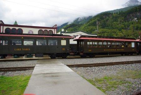 スキャグウェイ発観光列車のホワイトパス