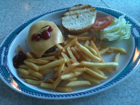 BBQグリルのチーズバーガー on オーシャンプリンセス