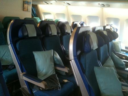 キャセイパシフィック航空 A340機内