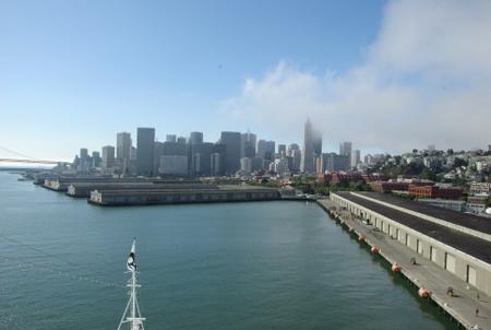 海から見たサンフランシスコ