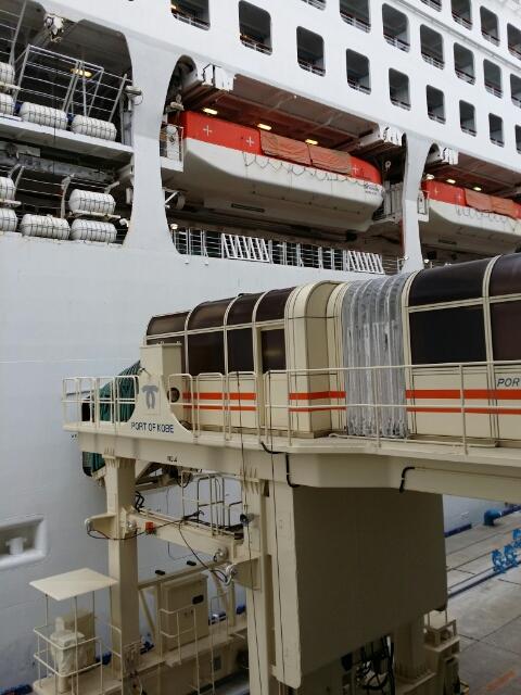 サン・プリンセス下船 at 神戸ポートターミナル