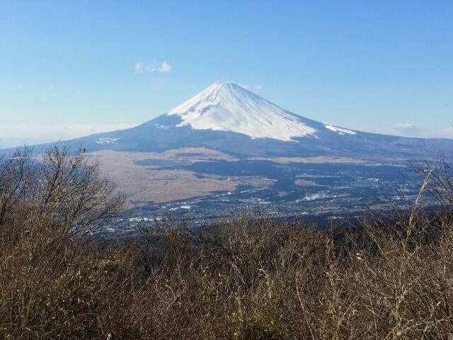 芦ノ湖スカイライン 三国峠から見た富士山