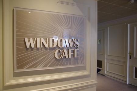 Azamara Journey Deck9 Windows Cafe (2).JPG