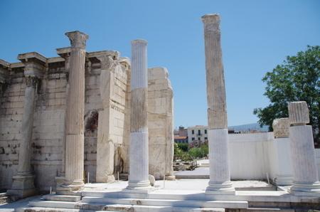 アテネのアドリアノスの図書館.JPG