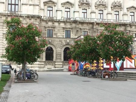 ウィーンの王宮 (1).JPG