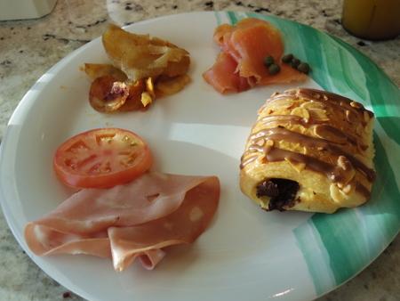 東カリブ海クルーズ2日目の朝食 on ロイヤル・プリンセス