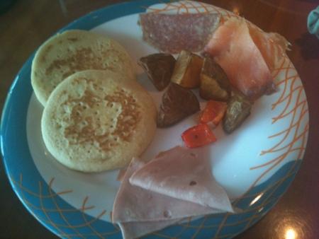 クルーズ4日目の朝食 on レジェンド・オブ・ザ・シーズ