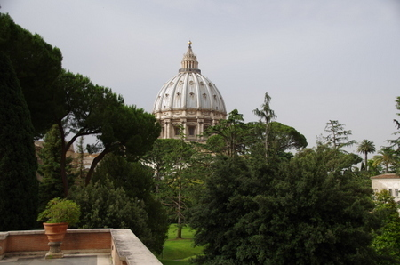 サン・ピエトロ寺院のドーム.JPG