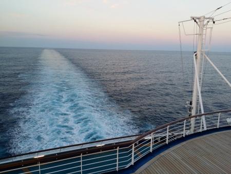 サン・プリンセスの船尾から見た航跡.jpg