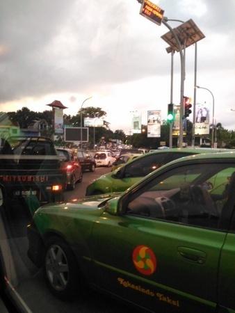 ジョグジャカルタの大渋滞.jpg