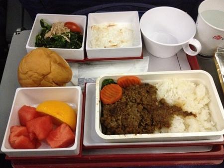 チャイナエアライン CI222便の機内食