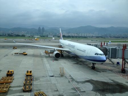 チャイナエアライン CI223便 at 台北松山空港