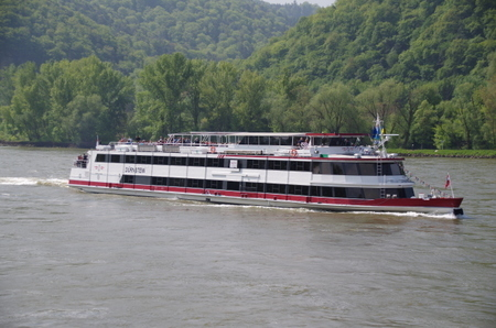 デュルンシュタインで見かけた船 (4).JPG