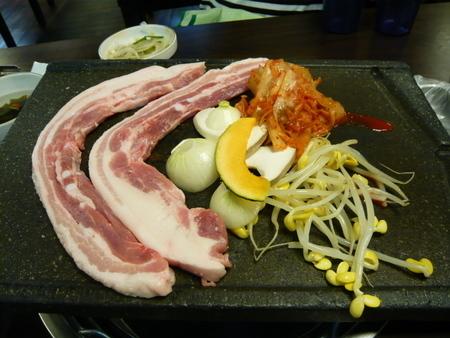 トッサムシデ サムギョッサルのディナー (2).JPG