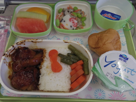 ハローキティジェット BR192便の機内食