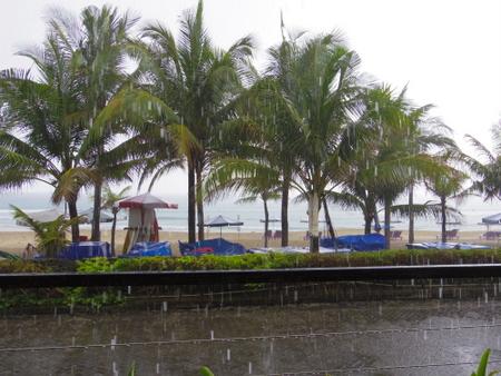 バリ島のスコール