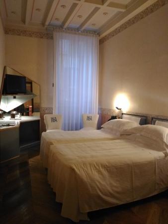 ホテル サントアンナの客室 (2).jpg