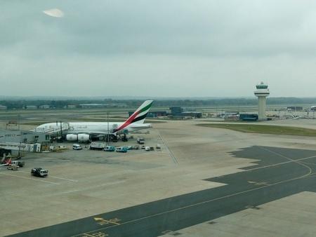 ロンドン・ガトウィック空港 エミレーツ航空A380.jpg