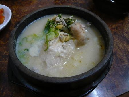 土俗村で参鶏湯ランチ (4).JPG