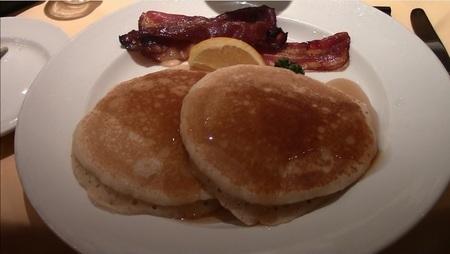 朝食のパンケーキ.jpg