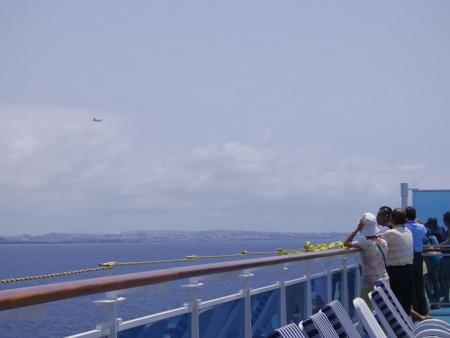 ダイヤモンド・プリンセスの船上から飛行機ウォッチ