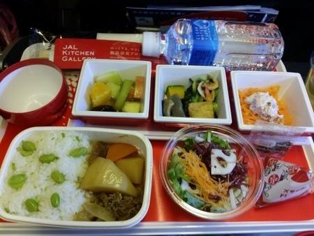 JL725便の機内食.jpg