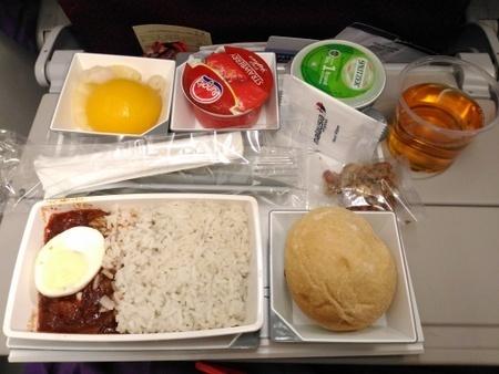 MH88便の機内食.jpg
