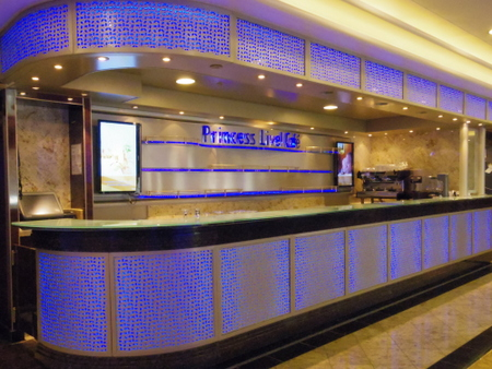 Princess Live Cafe on Royal Princess (2).JPG