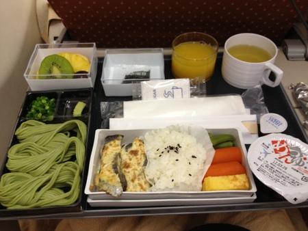 SQ635便の機内食